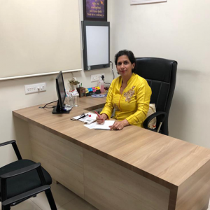 Best Gynaecologist In Pune | Gynaecologist In Pune - Dr.Meeta Nakhare